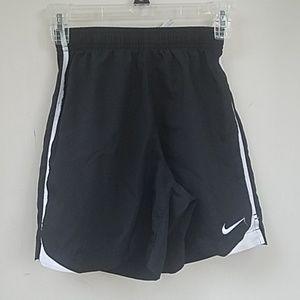 Nike Dri-FIT youth medium black shorts